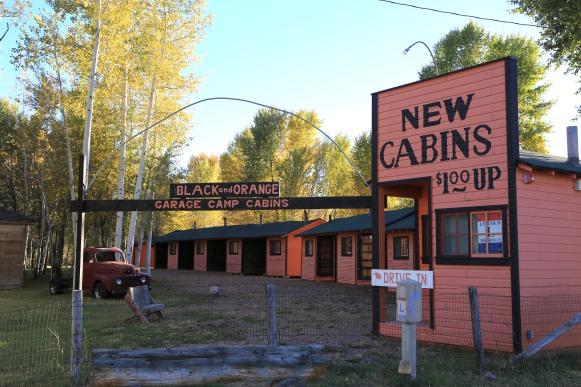 black-and-orange-cabins-entrance-8053