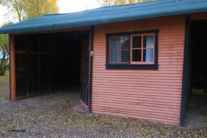 black-and-orange-cabins-garage-8181